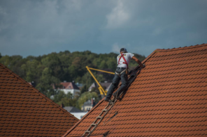 8 Safety Tips for Effective Gutter Cleaning
